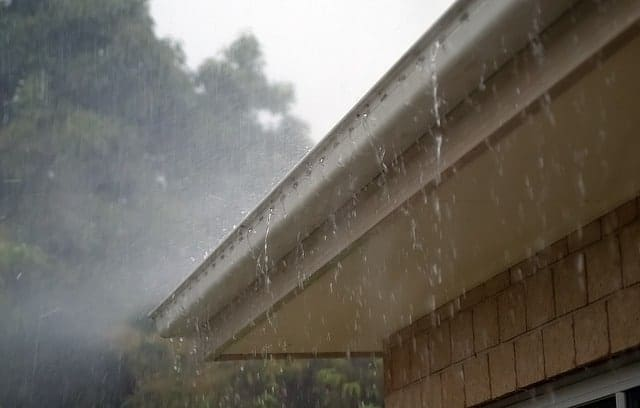 Gutter Cleaning Prevents Water Damage, Erosion and Flooding