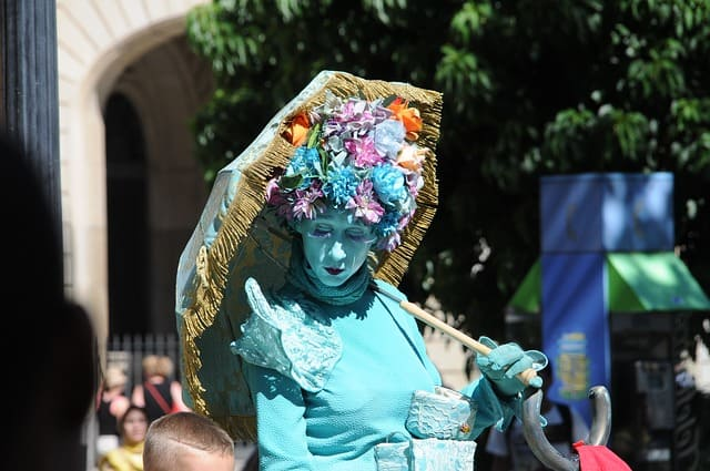 Hire Living Statue for Weddings and Events