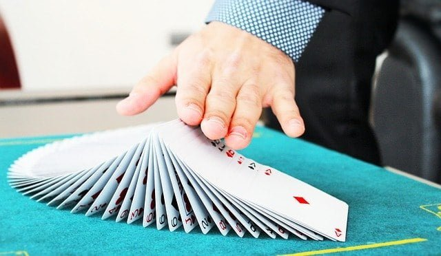 Entertain wedding guests with a close up magician